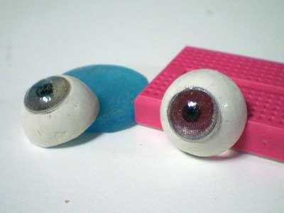 人形の眼球・虹彩を透明レジンで作成