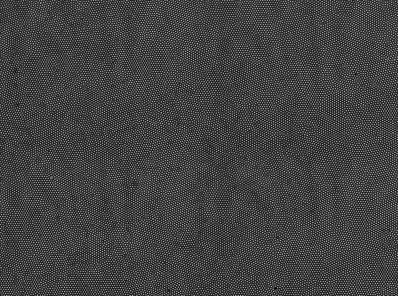 800px-ColloidCrystal_10xBrightField_GlassInWater.jpg