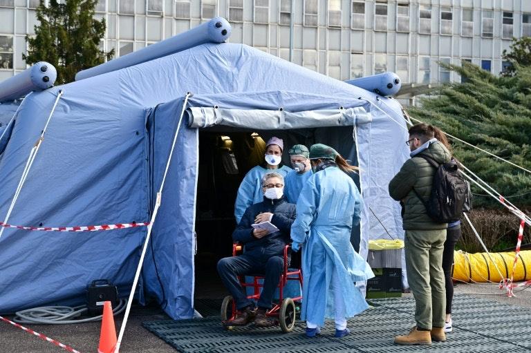 イタリアで使用されている医療テント