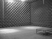 Anechoic_chamber_DTU.png